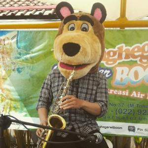 Hadis Hendarisman - guru saxophone clarinet kelas musik