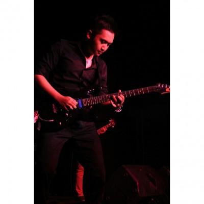 Jerry Gates - Guru gitar kelas musik bandung