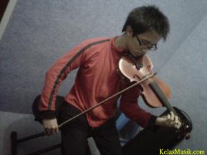 samuel adinugraha - kursus biola bandung Kelas Musik