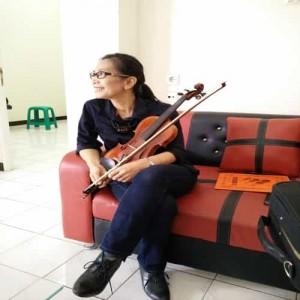belajar biola kelas musik