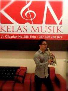 belajar saxophone kelas musik